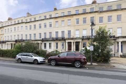 1 bedroom apartment for sale - Lansdown Crescent, Cheltenham GL50 2LF