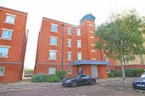2 bedroom apartment to rent - Adventurers Quay, Cardiff Bay