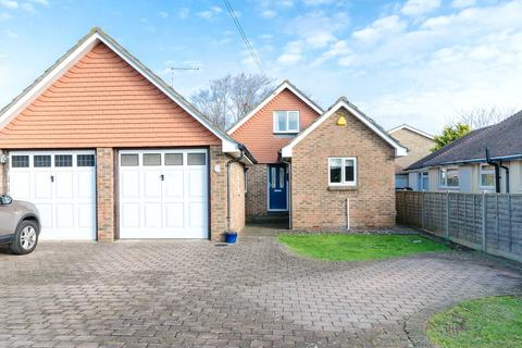 4 bedroom detached house for sale - Kings Road, Lancing, West Sussex, BN15