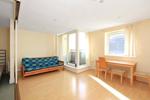 Studio to rent - Wards Wharf Approach, London, E16