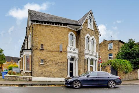 3 bedroom maisonette for sale - Crofton Road, London
