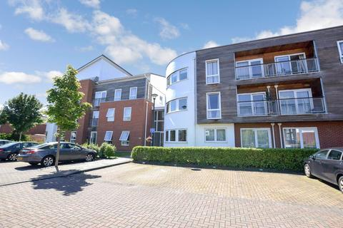 2 bedroom apartment to rent - Romana Square, Park Road, Timperley, Cheshire, WA14