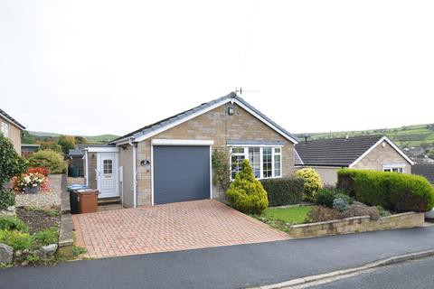 2 bedroom detached bungalow for sale - 18 Aire Valley Drive, Bradley,