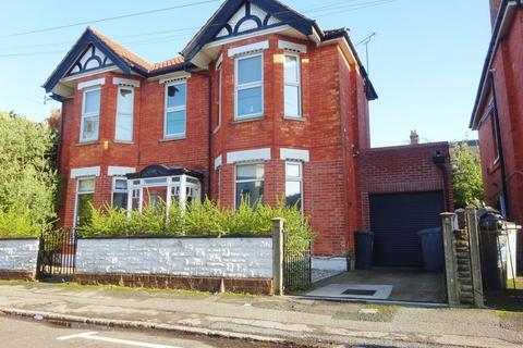 3 bedroom apartment for sale - Belvedere Road, Bournemouth, BH3