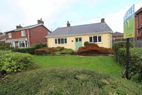 3 bedroom detached bungalow for sale - Chapel Road, Hesketh Bank, Preston