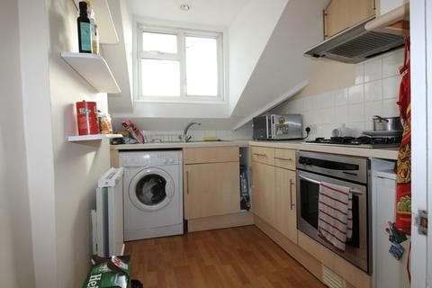 1 bedroom apartment to rent - Gleneldon Road, London