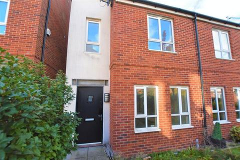 3 bedroom semi-detached house to rent - Sytchmill Way, Burslem
