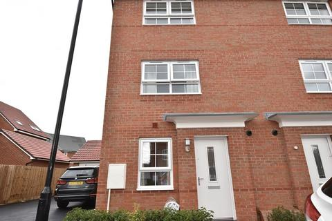 3 bedroom semi-detached house to rent - Brambling Avenue, Coventry