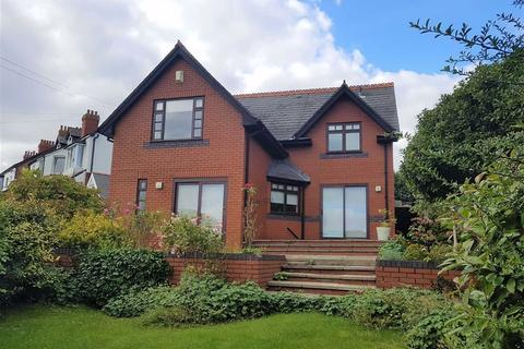 4 bedroom detached house for sale - Park Road, Barry