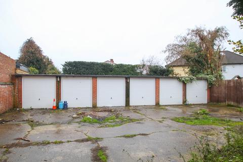 Garage to rent - Park Road, Stretford, Manchester, M32