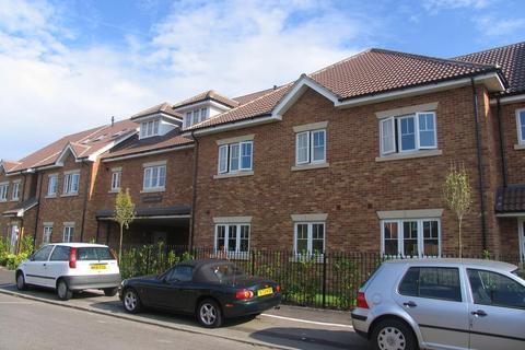 2 bedroom apartment to rent - Worcester Court, Camberley