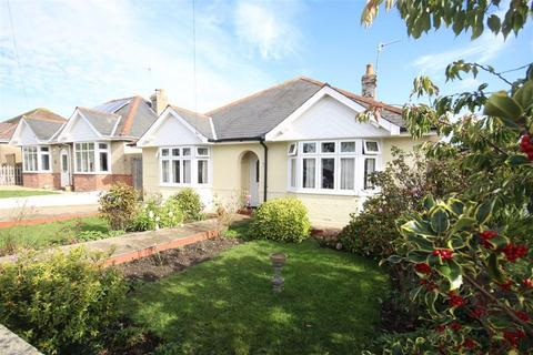 5 bedroom detached bungalow for sale - Haywards Avenue, Weymouth, Dorset
