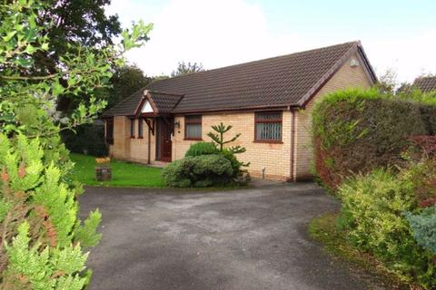 3 bedroom detached bungalow for sale - Leighton Drive, Leigh