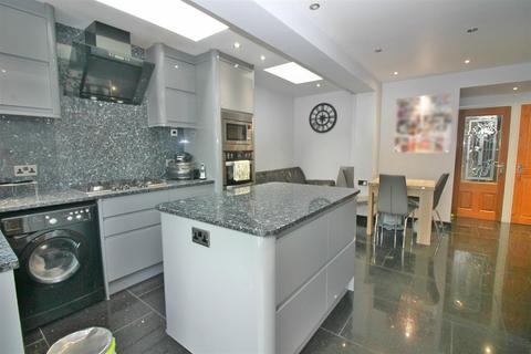 5 bedroom terraced house for sale - Glenwood Road, London
