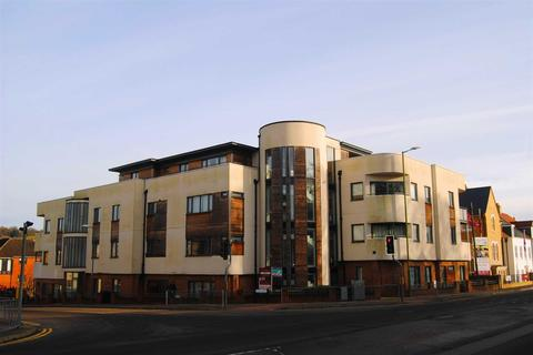 2 bedroom flat to rent - Dell Court, Stag Lane, Berkhamsted