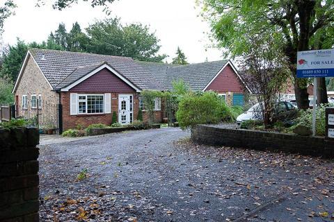 2 bedroom detached bungalow for sale - Oaklands Lane, Biggin Hill