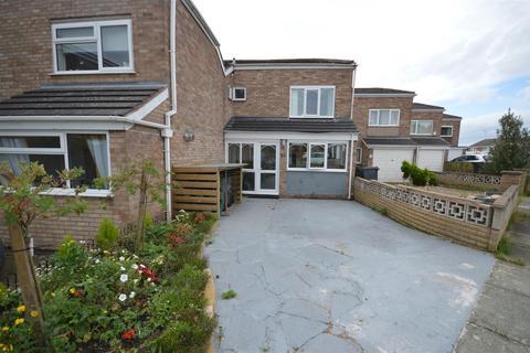 3 bedroom terraced house for sale - Sutton Avenue, Neston