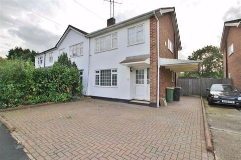 3 bedroom semi-detached house to rent - Daws Heath Road, Leigh On Sea, Essex