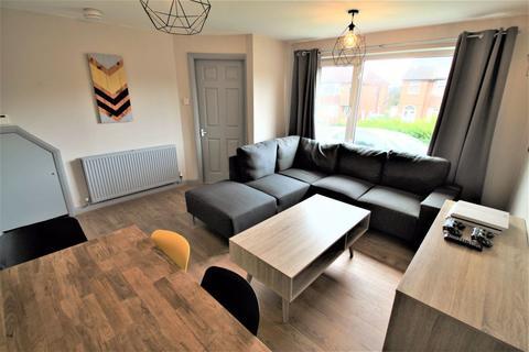4 bedroom semi-detached house to rent - Kirkstall Hill, Headingley, LS4 2SY