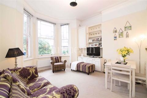 2 bedroom house to rent - Fairhazel Gardens, South Hampstead, London