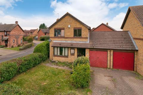 3 bedroom detached house for sale - Linnet Avenue, Paddock Wood, Tonbridge