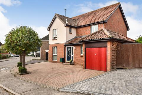 4 bedroom detached house for sale - Carisbrooke Drive, South Woodham Ferrers