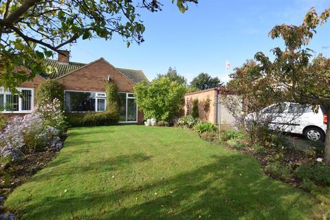 3 bedroom bungalow for sale - Essex Road, Maldon