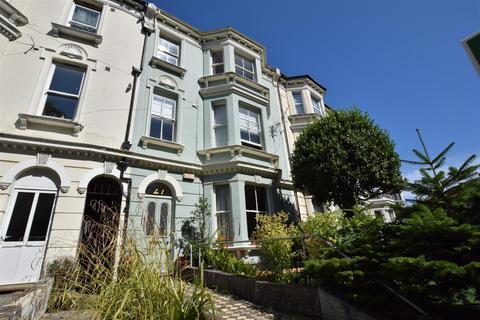 2 bedroom flat for sale - St Helens Road, Hastings