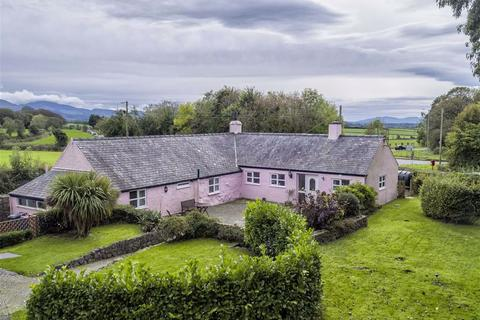 3 bedroom detached house for sale - Menai Bridge, Anglesey