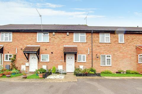 2 bedroom terraced house to rent - Roding way, Wickford SS12