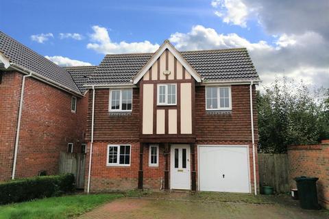 4 bedroom detached house to rent - Haywain Close, Ashford Kent TN23 3QL