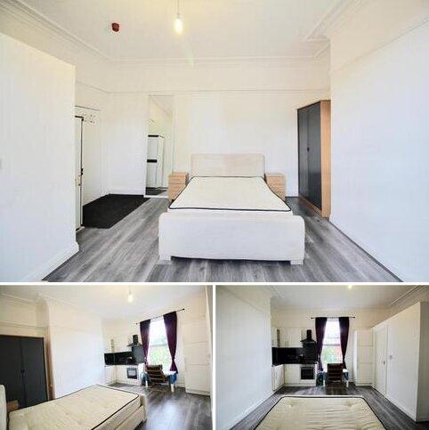 Studio to rent - Francis Street, Leeds, West Yorkshire, LS7