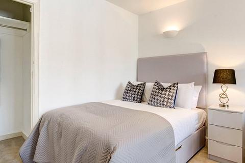 Character property to rent - Hill Street, Mayfair, London, W1J