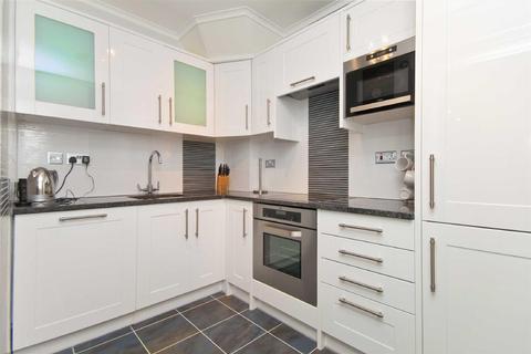 Studio to rent - Sandringham House, Windsor Way, W14