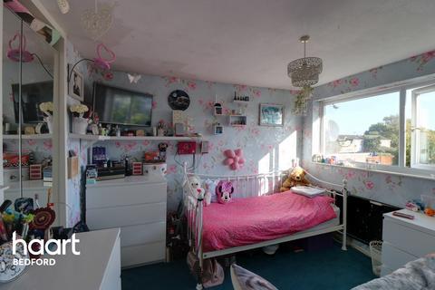3 bedroom semi-detached house for sale - Spruce Walk, Bedford
