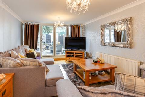 3 bedroom house for sale - Mayfield Close, Hillingdon, UB10