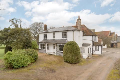 6 bedroom detached house to rent - St. Marys Hall Farmhouse, St Marys Hall Farmhouse, Hall Road, Rochester, Kent