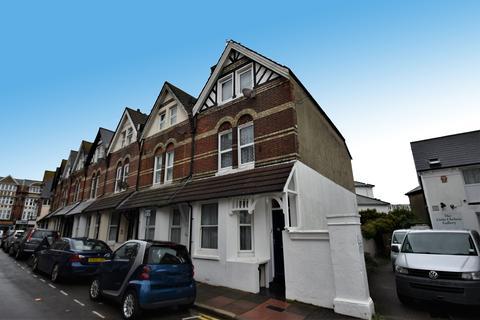 Studio to rent - Hyde Road, Eastbourne BN21