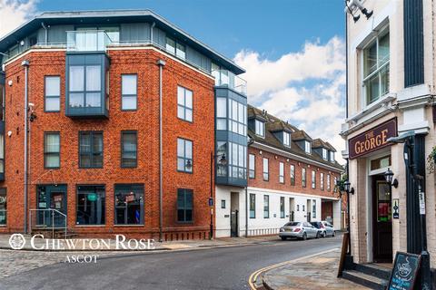 4 bedroom townhouse for sale - Windsor