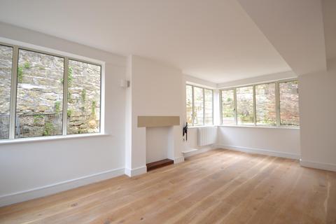 2 bedroom flat to rent - Lansdown Villas, Camden Row, Bath, BA1