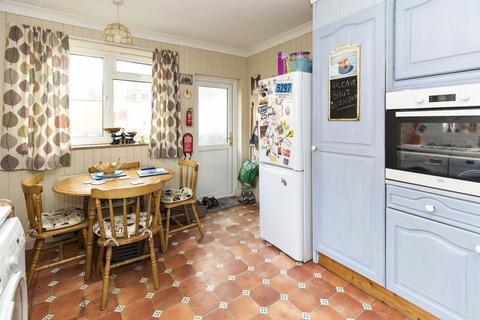 3 bedroom detached house for sale - CASTLE ROAD, 3 BED, TWO RECEPTION ROOMS