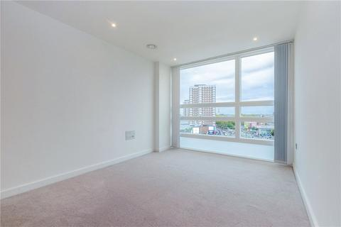3 bedroom apartment to rent - Holland Park Avenue, London, W11