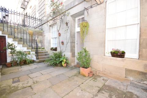 2 bedroom apartment for sale - Carlton Street, Stockbridge, Edinburgh, EH4 1NE