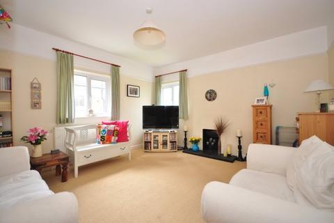 2 bedroom apartment to rent - Lionel Road Tonbridge TN9