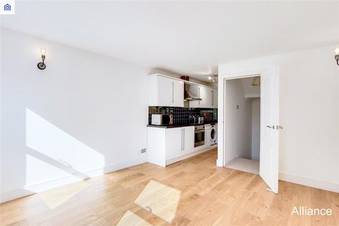 2 bedroom terraced house to rent - Malmesbury Road, London, E3
