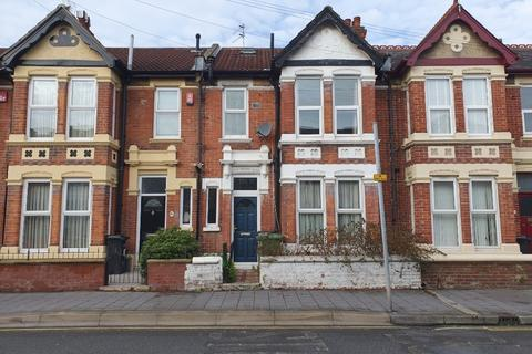 4 bedroom terraced house to rent - Winter Road, Southsea, Portsmouth, PO4