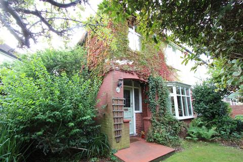 3 bedroom semi-detached house for sale - The Grove, Deal, CT14