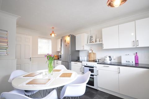 2 bedroom terraced house to rent - Bracken Road Tunbridge Wells TN2