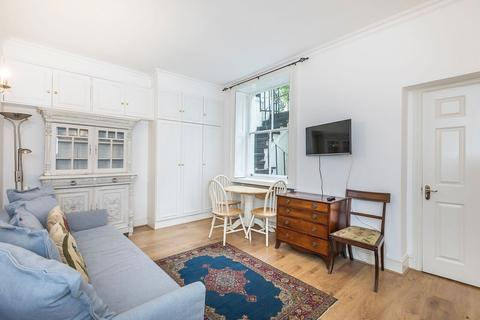 Studio to rent - St. Georges Square, London, SW1V