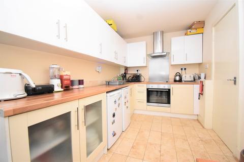 2 bedroom flat to rent - 57-58 Hillreach London SE18
